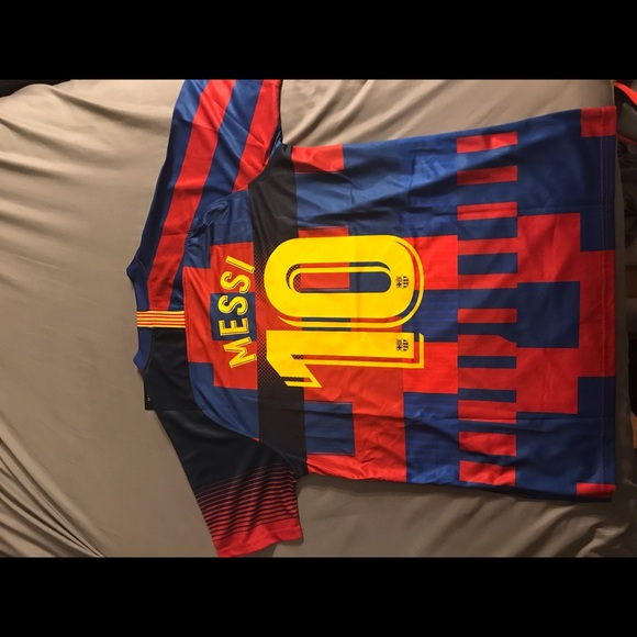 online retailer f414b 45cc6 Barcelona 20th Anniversary Lionel Messi Jersey NWT